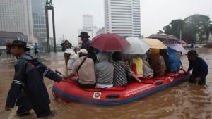 Tausende fliehen vor Überschwemmungen