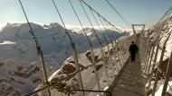 Innerhalb von fünf Monaten wurde die Brücke in 3000 Meter Höhe gebaut.