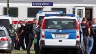 Am Bahnhof Leipzig-Messe kommt es am Mittwoch zu einem Polizeieinsatz, weil ein Fahrgast laut Polizei ausgerastet sei.