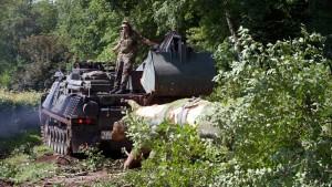 Nach dem Sturm rücken die Panzer an
