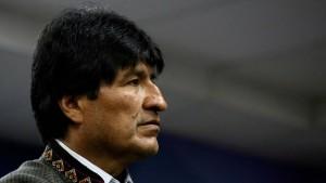 Morales' Verbindungen zum Unglücksflugzeug
