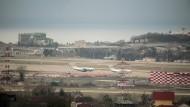 Bereits auf diesem Flughafen bei Sotschi hatte der Pilot Probleme, die richtige Startbahn zu finden.