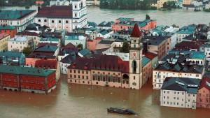 Katastrophenalarm in vielen Städten und Kreisen