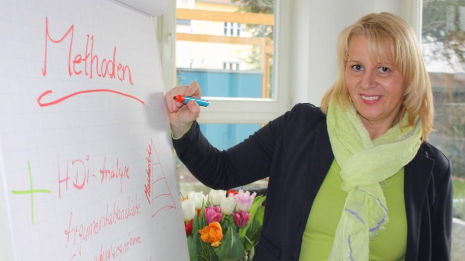 Bei Gertrud Hansel drücken Unternehmer die Schulbank