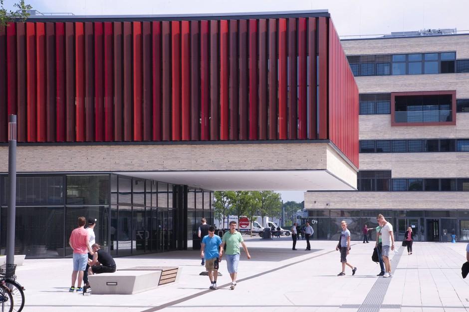 Schillerndes Kleinod: Bibliothek der Hochschule Ruhr West