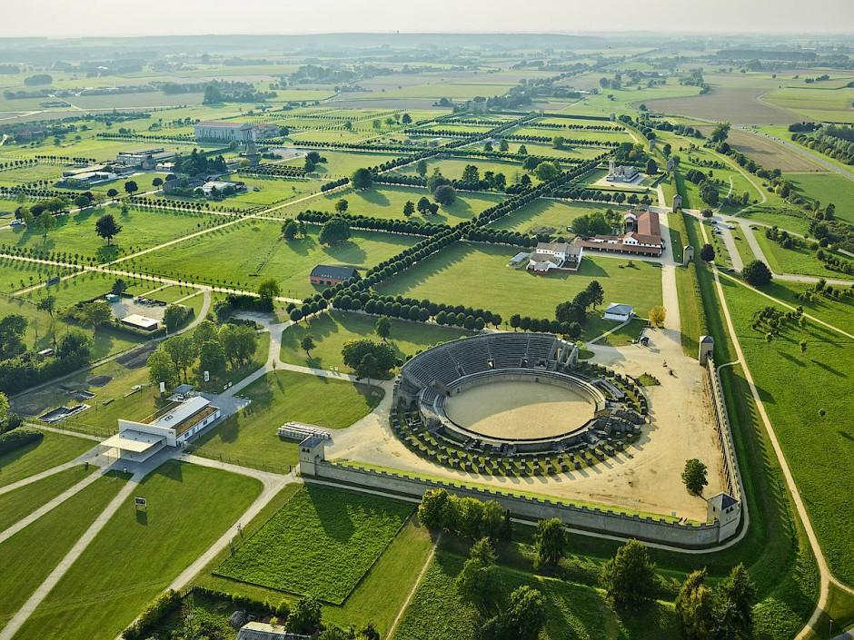 Blick auf den 73 Hektar großen Archäologischen Park Xanten