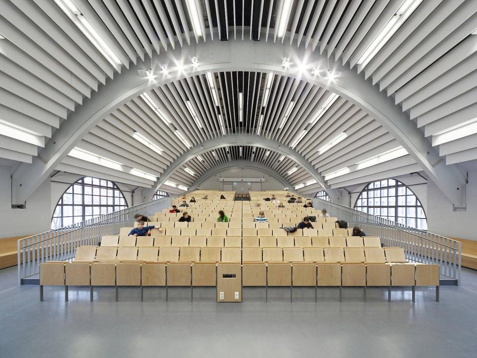 Postindustriell: Hörsaal der Technischen Universität Darmstadt