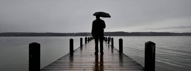 Ärzte diagnostizieren nun seltener einen Burnout und häufiger eine Depression, wenn Patienten mit Antriebslosigkeit und gedämpfter Stimmung zu ihnen kommen.