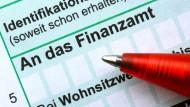 Der Steuerzahlerbund empfiehlt auch Studenten und Azubis, eine Einkommenssteuererklärung zu machen.