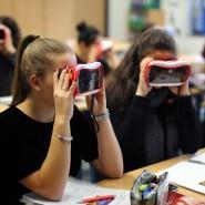 Lernen mit Virtual-Reality-Brille: An fast allen deutschen Schulen ist das noch Zukunftsmusik.