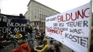 Bologna-Bilanz vieler Studenten nach zehn Jahren: Bundesweite Bildungsstreiks gegen Studiengebühren und die Bologna-Reform 2009.