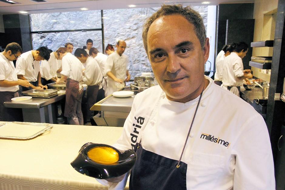 """Ferran Adrià in der Küche seines Restaurants """"El Bulli"""""""
