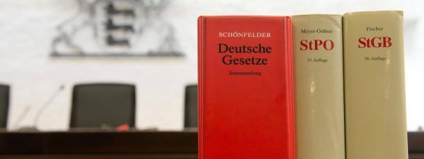 """""""Bibel"""" eines jeden Jurastudenten: Der Schönfelder. Doch was bietet ihnen während des Studiums noch Orientierung?"""
