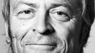 Von Musik versteht er wenig, sagt Henrik Rasmussen, von Zahlen umso mehr