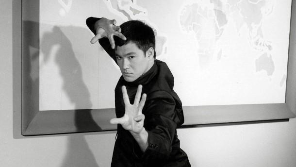Ich wusste nicht, dass er auch Karate kann
