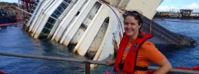 So ein Profilbild hat nicht jeder: Inken Frühling vor der Costa Concordia