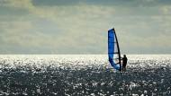 Keine Ansteckungsgefahr: Windsurfer auf dem Lake Ontario