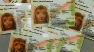 Darf der Chef meinen Personalausweis einscannen?