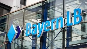 BayernLB will fast alle Einzelbüros für Chefs abschaffen