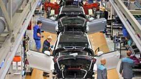 Fabrik von heute: Auch in der Produktion von BMW, hier ein Werk in  Leipzig für den Elektrowagen i3, halten digitalisierte Konzepte Einzug.