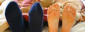 Wenn im Bett Flaute herrscht, muss das nicht nur daran liegen, dass der Partner die Socken anlässt. Sexologen können bei schwerwiegenderen Problemen helfen.