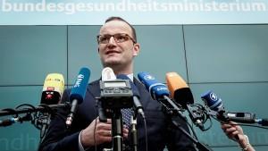 Gesundheitsminister will 13.000 neue Altenpfleger einstellen