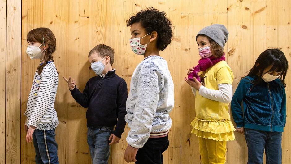 Hoffentlich können sie das neue Schuljahr im Präsenzunterricht verbringen: in einer Frankfurter Grundschule