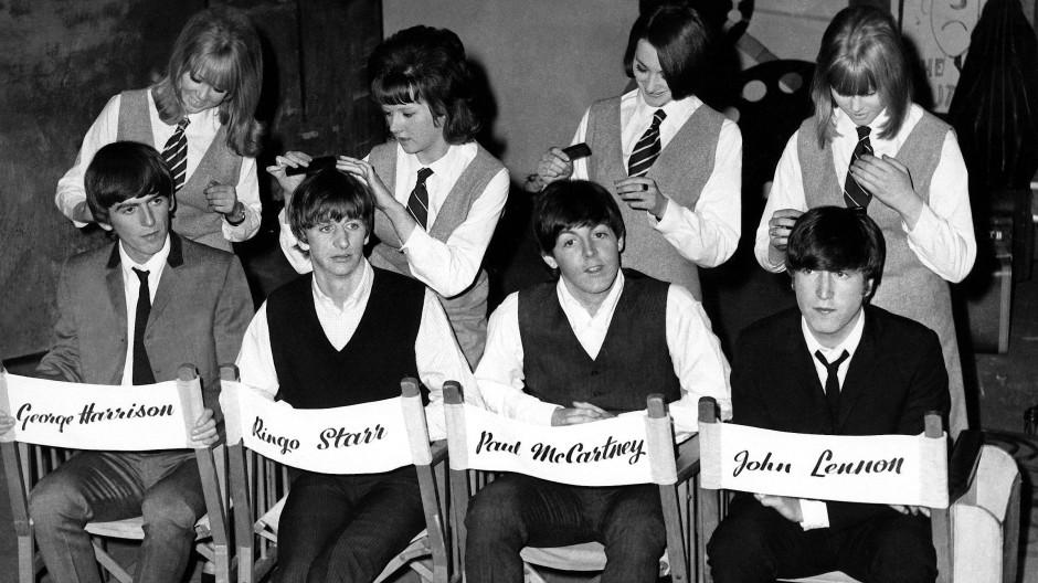 Brave Pilzköpfe: Die Beatles trugen ihr Haar bekanntlich erst zum Ende ihrer Karriere hin offen.