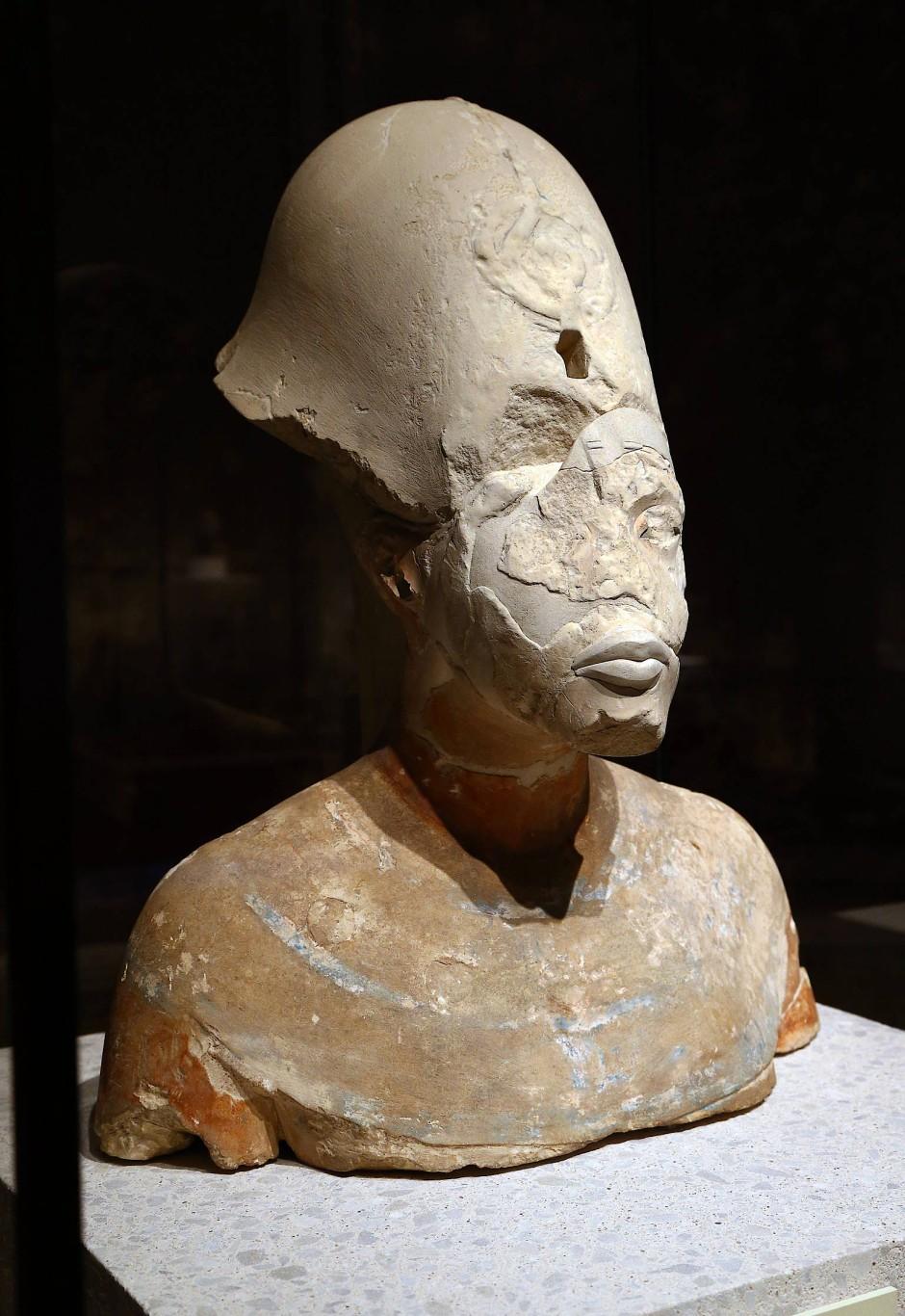 Büste des Königs Echnaton aus dem Ägyptischen Museum Berlin