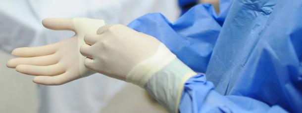 Vor allem für Chirurgen ist die erste Operation in Eigenregie besonders aufregend, schließlich kann ein Fehler lebensgefährlich werden.