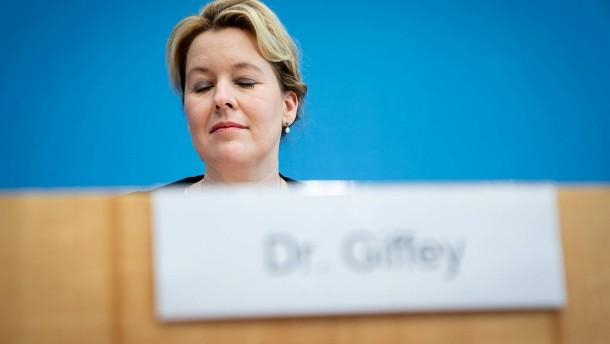 Familienministerin Giffey verzichtet auf Doktorgrad