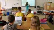 Neben einer Stärkung der Ausbildung fürs Berufsschullehramt soll die Digitalisierung an Schulen vorangetrieben werden.