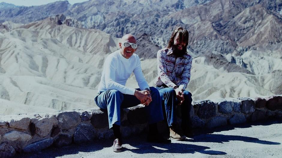 Michel Foucault und Michael Stoneman im Death Valley im Mai 1975.