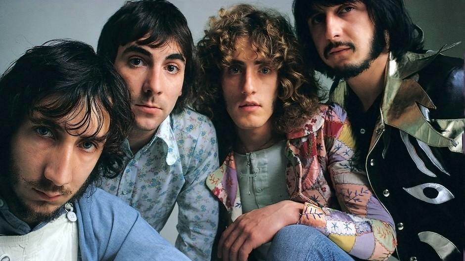 Wie üblich etwas am Rand: John Entwistle (ganz rechts) neben Roger Daltrey, Keith Moon und Pete Townshend