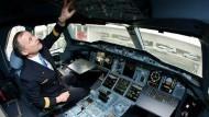 Im Cockpit sind noch Plätze frei