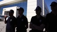 Haftbefehle gegen ausländische Journalisten