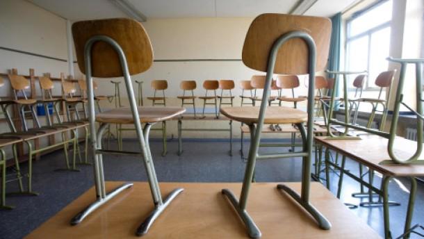 Umweg durch die Klassenzimmer