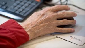 Anteil älterer Arbeitnehmer vor allem in Deutschland stark gestiegen
