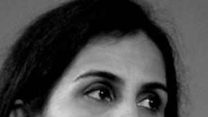 Vom ersten Gehalt einen Sari für Mama