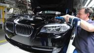 BMW hat den Einsatz von Zeitarbeitern im Haustarifvertrag geregelt.