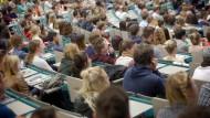 Der Akademisierungswahn und seine Folgen
