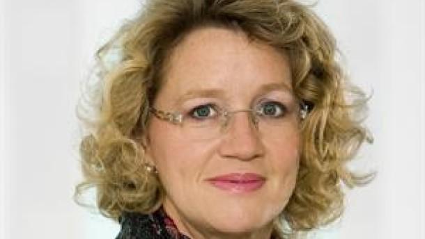 Anni Hönicke verstärkt Immobilienfinanzierung