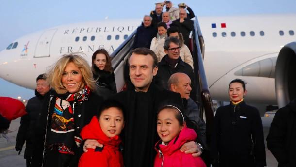"""Frankreichs Präsident: Macron will an Chinas """"neuer Seidenstraße"""" kräftig mitbauen"""