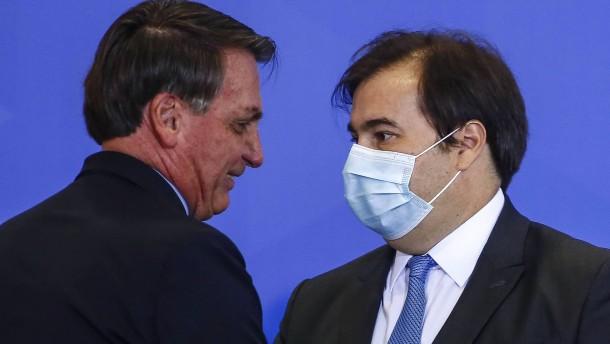 Gericht ordnet Maskenpflicht für Bolsonaro an