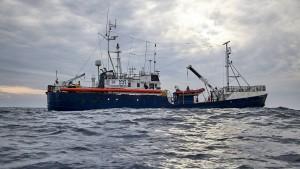 Deutsche Seenotretter fordern schnelle Lösung für Migrantenschiff
