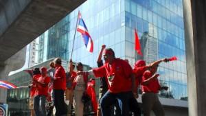 Thaksin ruft nach Revolution