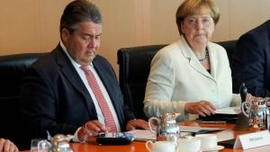 Gabriel fordert Obergrenze für Flüchtlingsaufnahme
