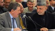 Sein Wille wird fortgeführt: Richard Holbrooke im Gespräch mit Hamid Karzai im April 2010
