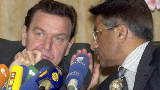 Schröder für unbefristete Angriffe
