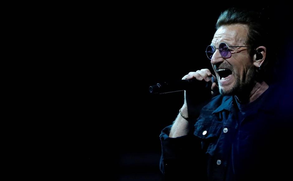 Im Namen der Liebe: Bono beim Auftritt mit U2 am 16. Mai in Inglewood, Kalifornien